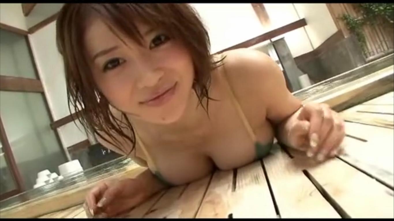 【手島優】Iカップ2 木風呂とプールとセクシー水着