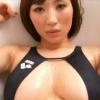 無【藤元亜紗美】Hカップ 胸元大胆露出水着で魅せる