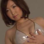 【小松詩乃】Hカップ2 ゴージャスなビキニと車