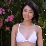 無【森田涼花】-カップ4 白ビキニと水玉柄ビキニとビーチ