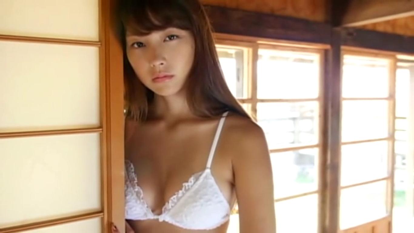 【尾島知佳】Eカップ3 清楚な服装からの白下着と透け衣装と黒下着