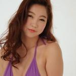 【麻生亜実】Hカップ3 セクシーな表情でお色気たっぷり悩殺ポーズ