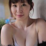 【塩地美澄】Gカップ2 麗しい女子アナが大きな胸の谷間を披露