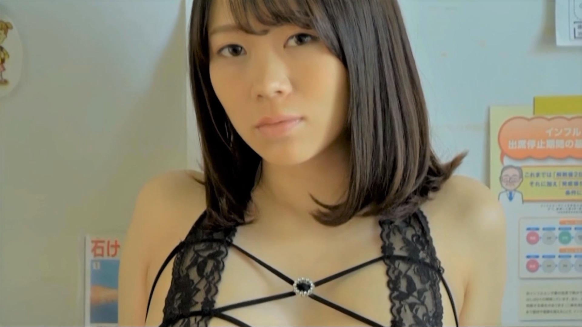 【新垣由奈】Dカップ 白衣の下はびっくりのセクシー衣装!M字に開脚している姿も!