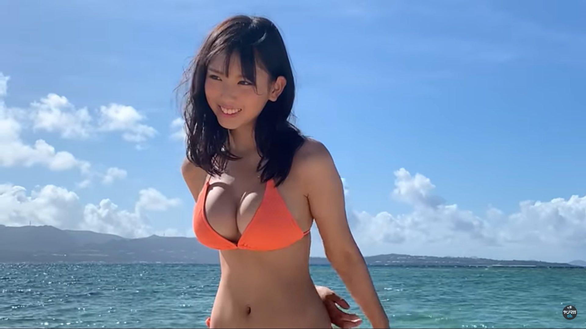 【沢口愛華】Fカップ8 ヤンマガグラビア動画!沖縄撮影!制服や水着姿を披露!