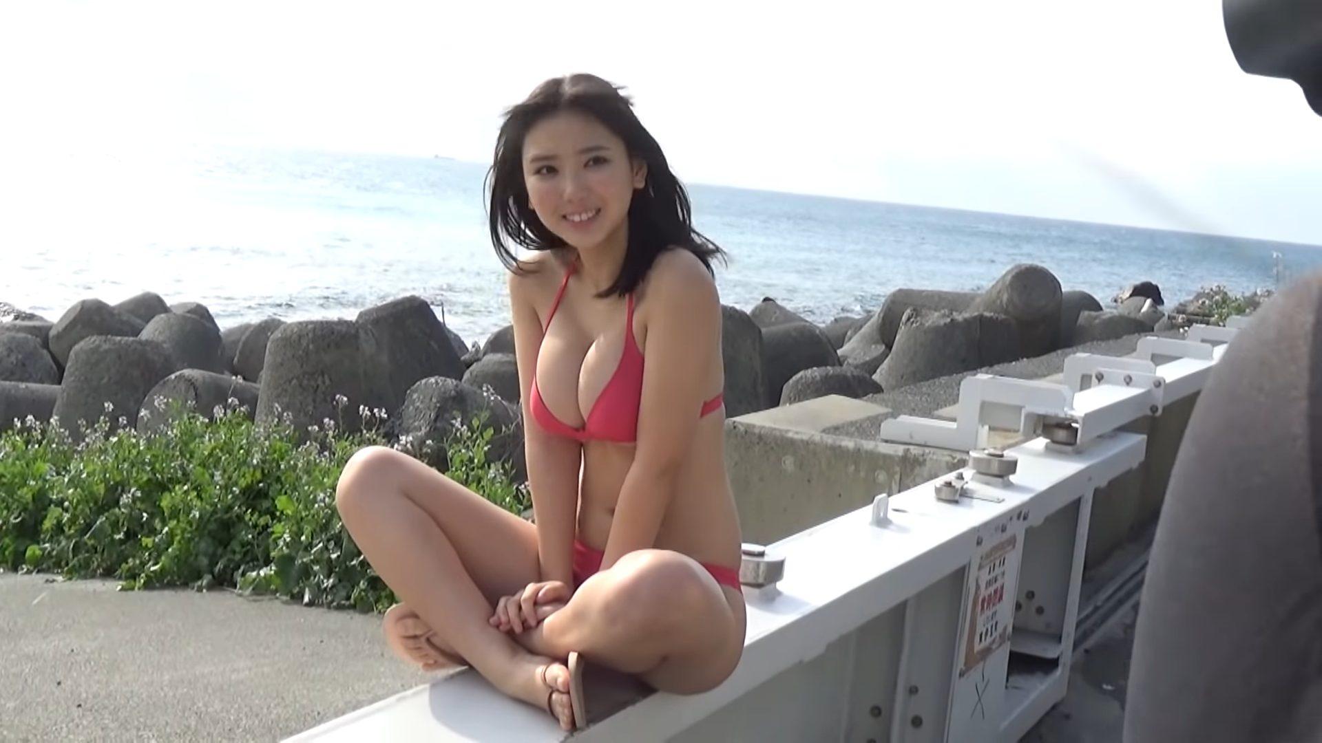 【沢口愛華】Fカップ11 ヤンマガグラビア動画!さまざまな水着姿を披露!