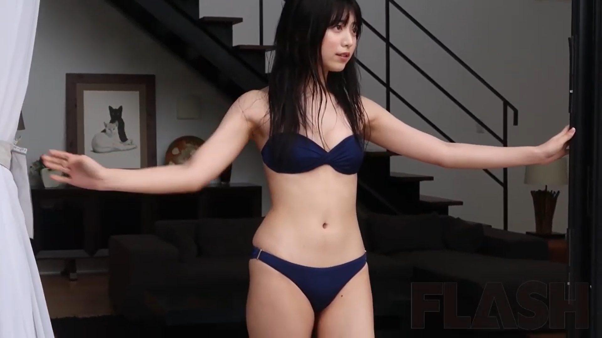 【吉田莉桜】-カップ3 週刊FLASHグラビアメイキング動画!水着姿を披露!