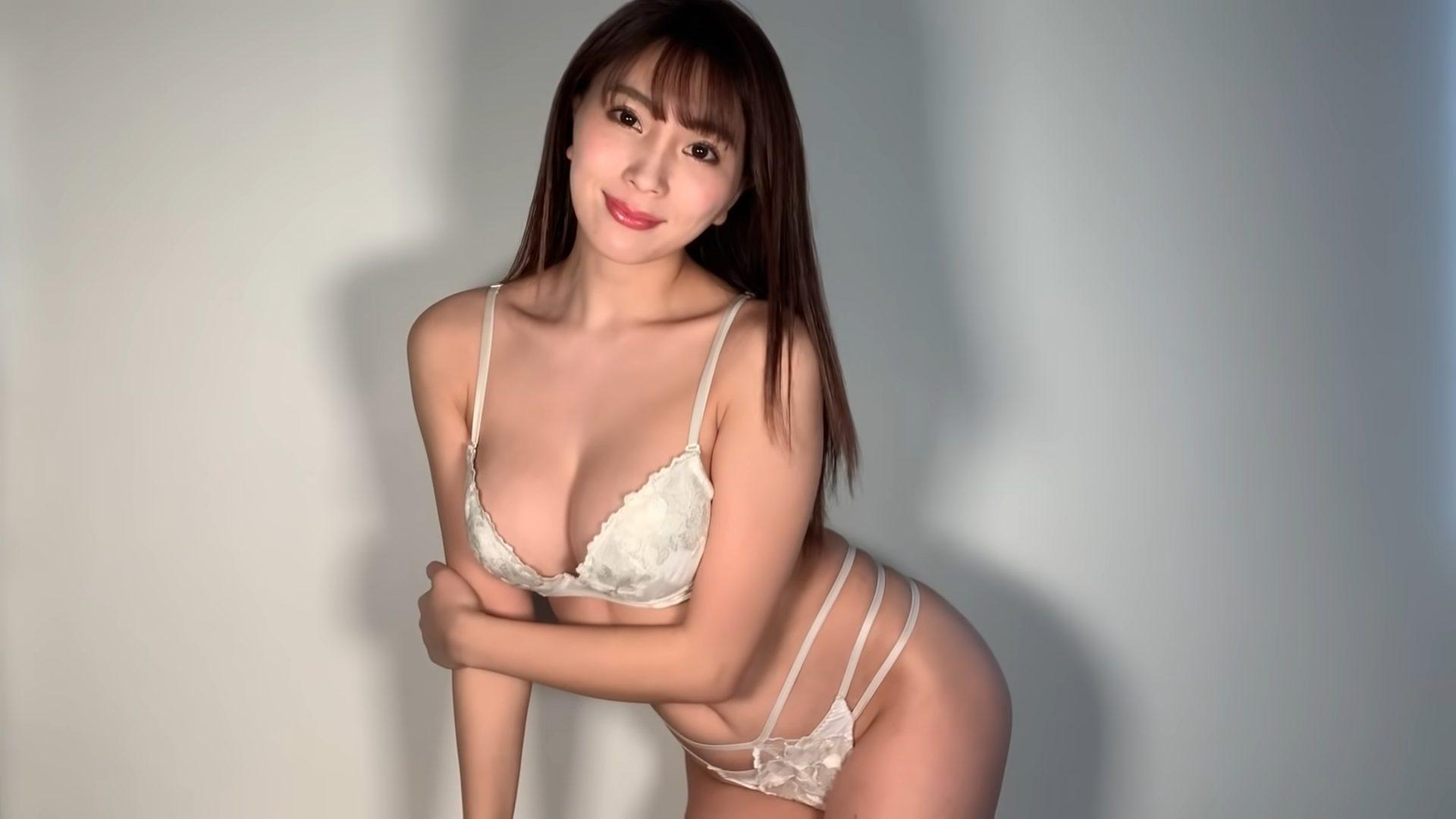 【森咲智美】Gカップ25 普段着ている下着を紹介!下着姿を披露!