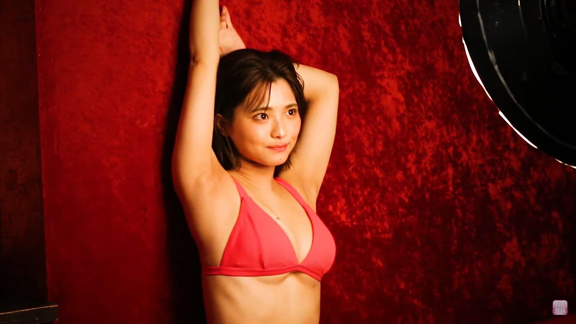 【片岡沙耶】Gカップ15 トレーディングカード!動画!水着姿を披露!