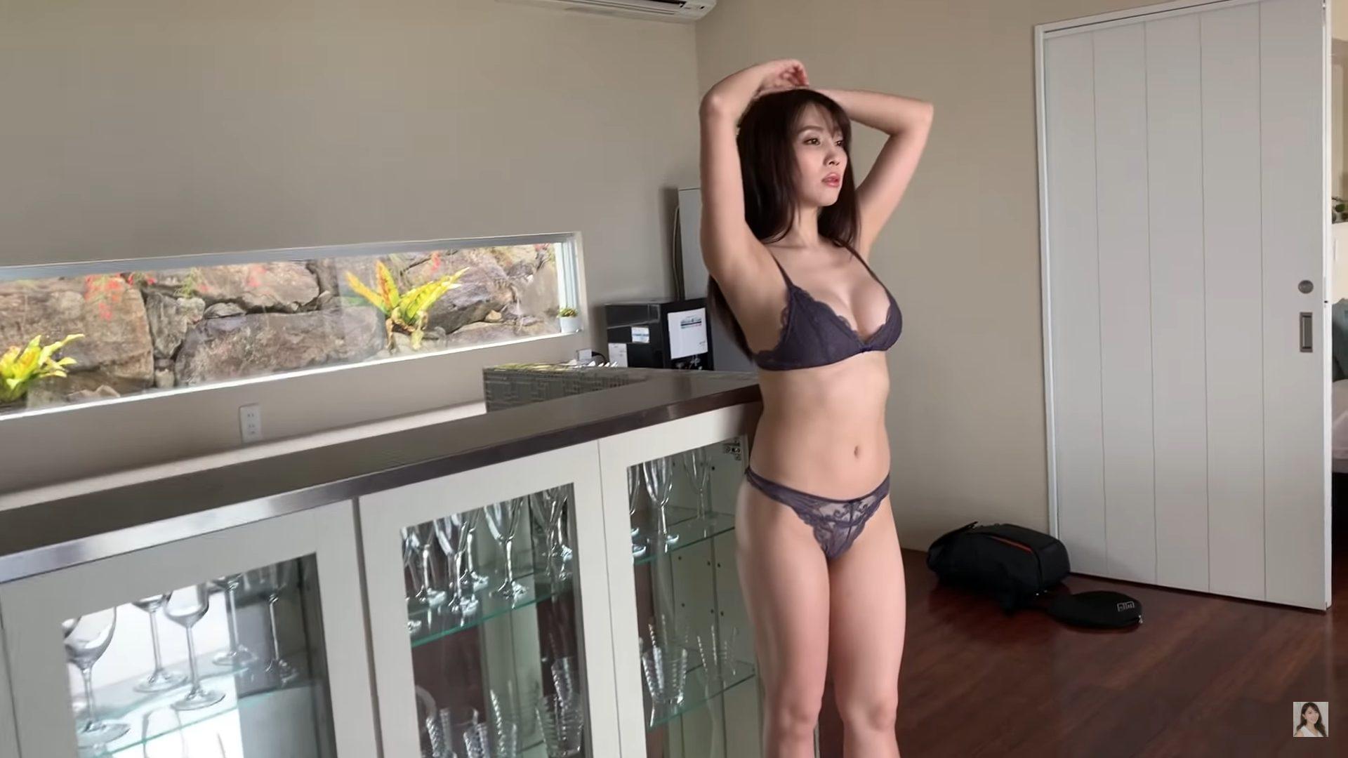 【森咲智美】Gカップ35 3rd写真集「Utopia 」撮影裏側動画!水着姿を披露!