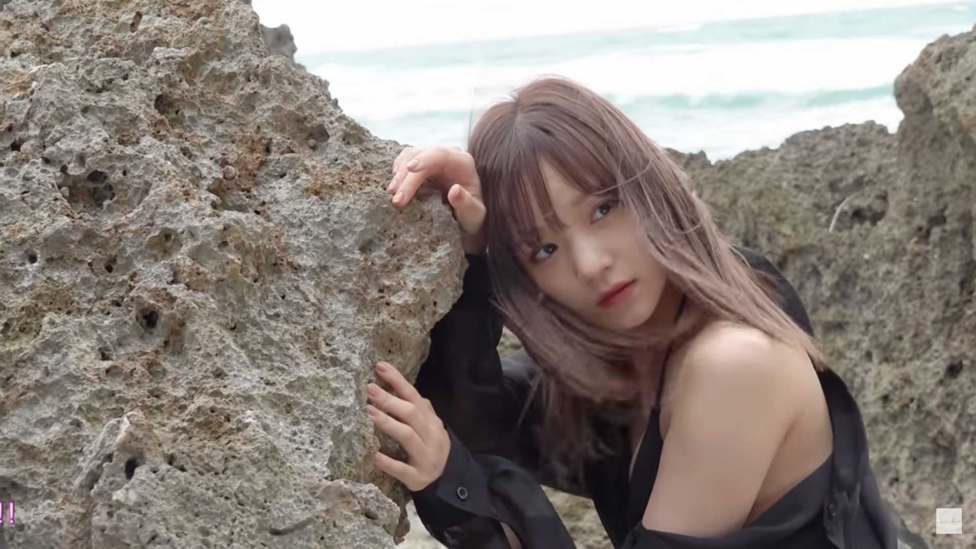 【稲場愛香】-カップ2 セカンド写真集「ラヴリネス…」発売決定!水着姿を披露!