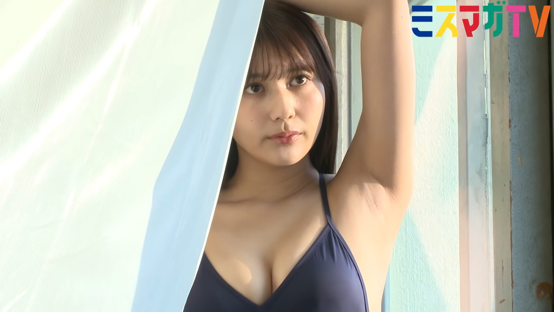 【新井遥 菊地姫奈】 グラビア撮影密着!実況中継!制服姿、水着姿、スク水姿を披露!